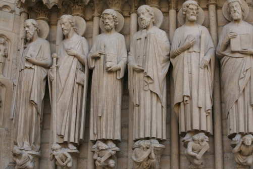 Notre Dame aposles